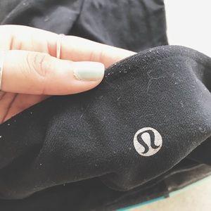 Lululemon workout pants.